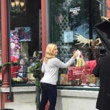 Westport's Melissa Joan Hart Stars In New Holiday Lifetime Movie