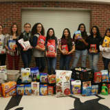 Sleepy Hollow High Club Collects For Local Pet Food Pantry