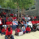 Peekskill Middle School Students Show Support For Farmworkers' Rights