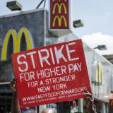 New Yorkers Support Raising Minimum Wage To $15 Per Hour, Poll Finds