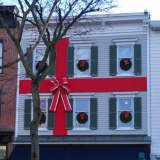 Greenwich Chamber Calls On Stores To Deck The Halls For Decorating Contest