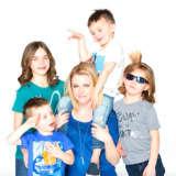Melissa Joan Hart Brings Children's Clothing Trunk Show To Westport