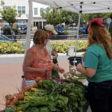 Danbury Farmers Market Brings Area's Finest Fruits And Veggies To The Table