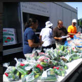 Mobile Pantry Moves To Walnut Hill Community Church In Bethel For Today