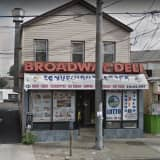 Police Search For Suspect Who Stabbed Two Inside Long Island Deli