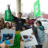Teaneck Girl Scouts Mount Campaign To Ban Plastic Bags