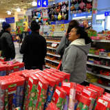 Toys 'R' Us Will Close All 800 Stores, Affecting 33,000 Jobs
