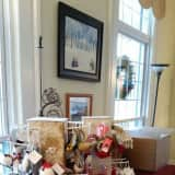 St. Paul's On The Green In Norwalk Sets Up Holiday Gift Market