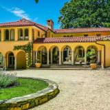 Croton Home Resembling An Italian Villa Is A 'Steel'