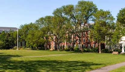 COVID-19: Harvard Business School Moves Courses Online After Surge In Breakthrough Cases