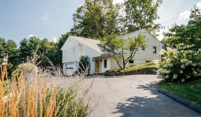 6 Hillside Lane, Newtown, CT 06470