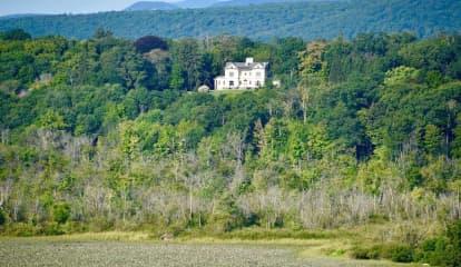 137-Acre Estate Overlooking Hudson River Hits Market For $6.95 Million