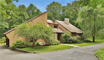7 Deer Creek Lane, Mount Kisco, NY 10549