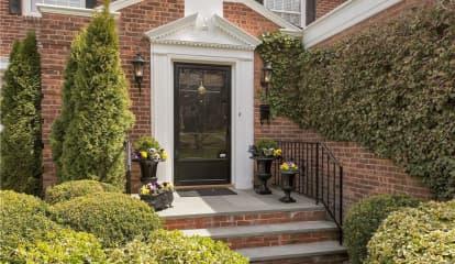 38 Howell Avenue, Larchmont, NY 10538