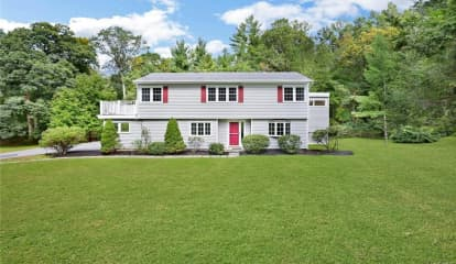 159 Deerfield Lane, Pleasantville, NY 10570