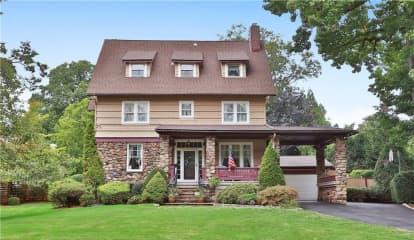 1295 Manor Circle, Pelham, NY 10803