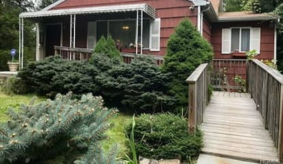 15 Hall Avenue, Goldens Bridge, NY 10526