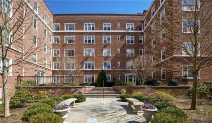 8 Midland Gardens Unit: 3I, Bronxville, NY 10708