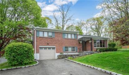 6 Logwynn Lane, Cortlandt Manor, NY 10567