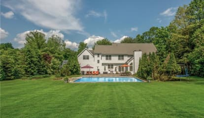 5 Spruce Hill Court, Pleasantville, NY 10570