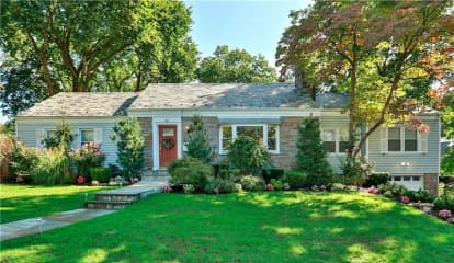 15 Pasadena Place, Mount Vernon, NY 10552