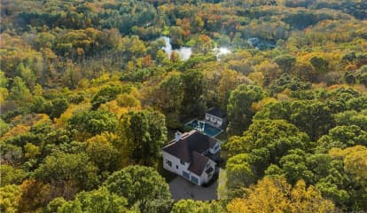 21 Spring House Road, Pound Ridge, NY 10576