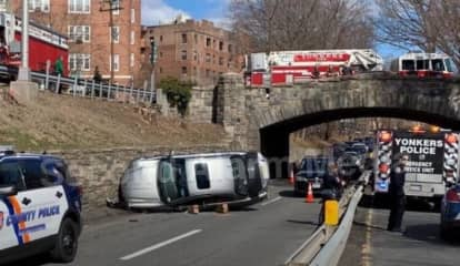Driver Flees After Rollover Crash On Bronx River Parkway