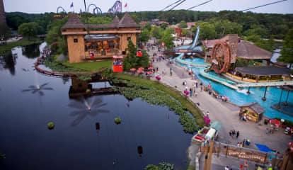 2 Hospitalized After Log Flume Tips At Six Flags Great Adventure