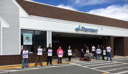 Stop & Shop Workers In CT, Two Other New England States Strike After Impasse In Negotiations