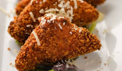 CT Eatery's Mozzarella Sticks Among Best In US, Website Says