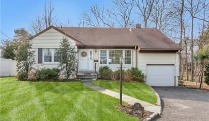 42 Vivian Drive, Scarsdale, NY 10583