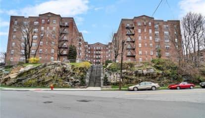 1 Bronxville Road Unit: 6P, Yonkers, NY 10708