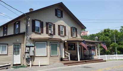 299 Peekskill Hollow Road, Putnam Valley, NY 10579