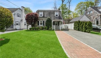 9 John Alden Road, New Rochelle, NY 10801
