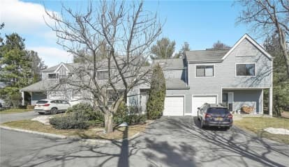44 Westwood Circle, Greenburgh, NY 10533