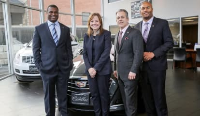 Retired NY Giant Stars In Auto Business Together Sued Over Missing Vehicles, Sketchy Sales