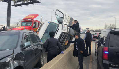 Cuomo To The Rescue: Governor Helps Pull Passenger From Vehicle After Crash In NYC