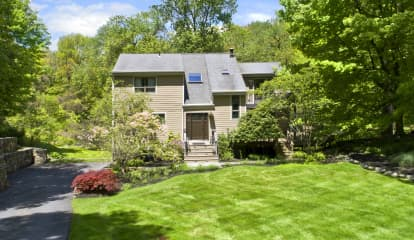 8 Meadow Hill Place, Armonk, NY 10573