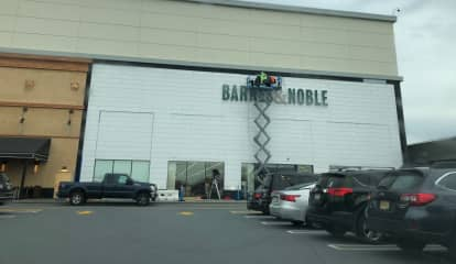 Store Of The Future: Barnes & Noble Prototype Readies For Hackensack Opening