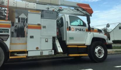 PSE&G Worker Injured While Repairing Pole In Elizabeth