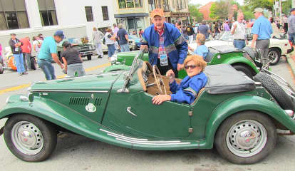 Peekskill Filled With Classic Cars At Vintage Grand Prix