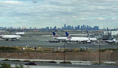 Newark Airport Workers Now Earn $15 An Hour Minimum Wage