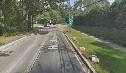 Jogger, 21, Struck By Lexus Driver In Hit-Run Near Hutchinson River Parkway, Police Say