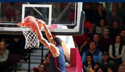 Basketball Star From Westchester Flying High For Dayton With Fourth A-10 Rookie Of Week Award