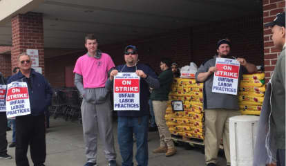 Most Connecticut Stop & Shop Stores Open Amid Strike, Picket Lines