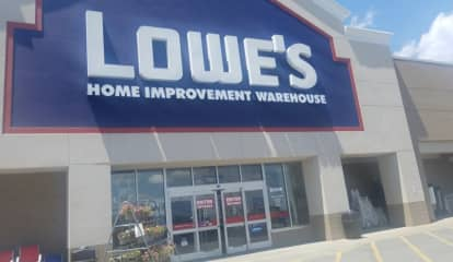 Lowe's To Lay Off Thousands Of Employees, Outsource Some Positions To Third Parties