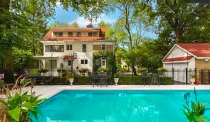 PHOTOS: 5 Homes That $1M Can Get You In Bergen County
