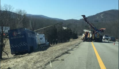 Lane Reopens After I-84 Crash In East Fishkill