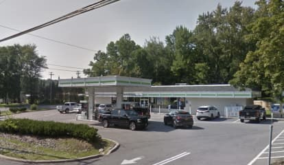 Suspect On Loose After Convenience Store Robbed At Gunpoint In Area