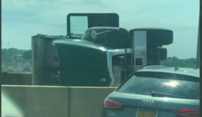 Major Delays: Overturned Trailer Backs Up Outerbridge Crossing Into New Jersey
